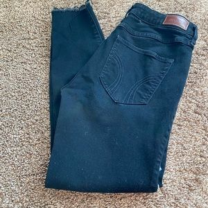 Hollister embroidered skinny jeans sz. 31